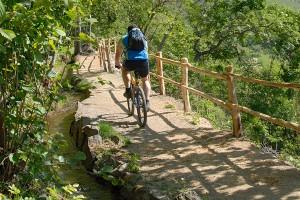 Mountainbikeurlaub am Waalweg entlang