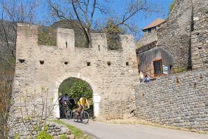 Abstecher beim Schloss Tirol mit dem Rad